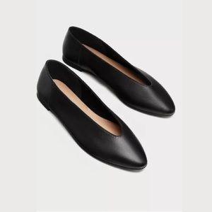 Zara Black Leather Flats Ballerinas V Cut Size 7.5